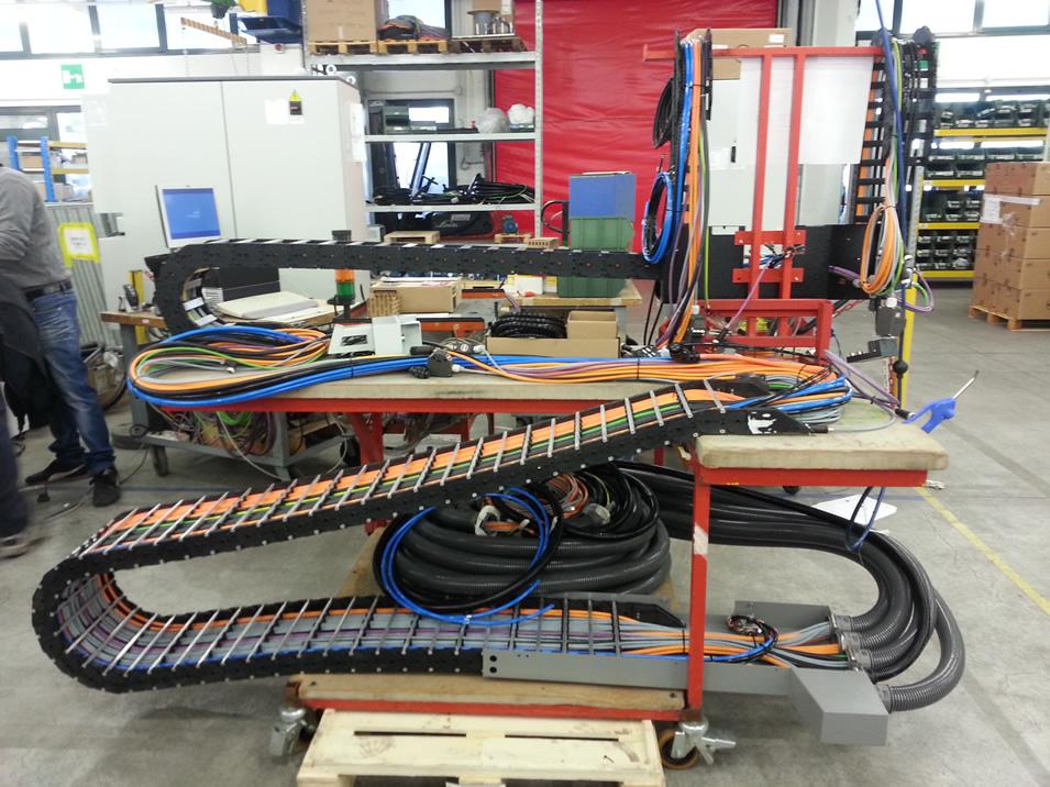 Schemi Elettrici Bordo Macchina : Cablaggio quadri elettrici bordo macchina installazione